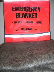 FIRE BLANKET W/ REF. STRIPE BAG